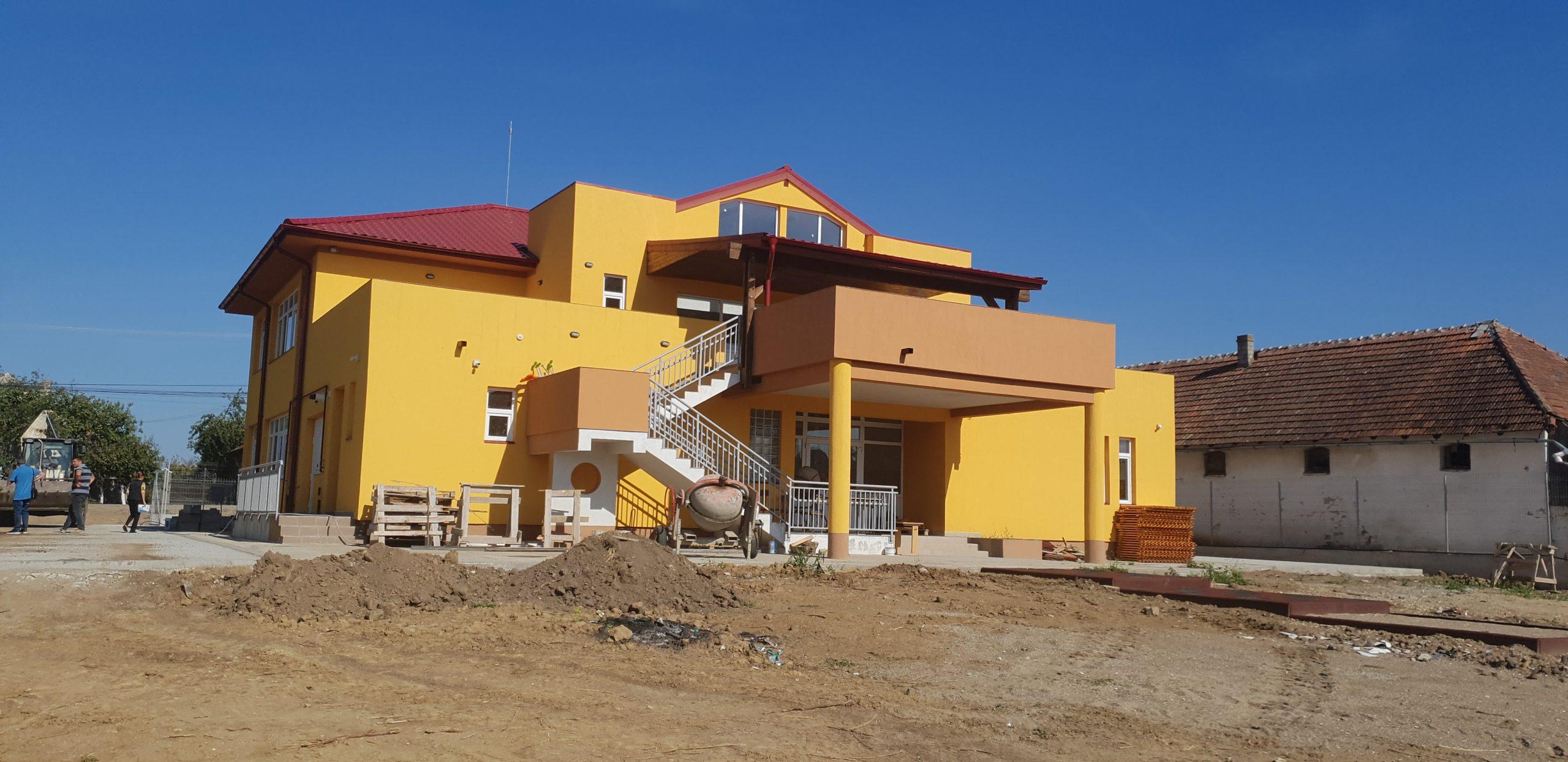 Construire gradinita cu program normal ,6 sali de grupa ,Semlac ,judetul Arad